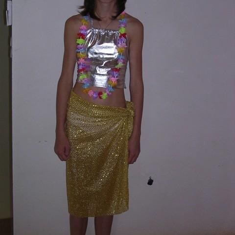 9 longues jupes jaune dorées